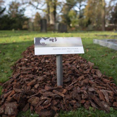Grafmarkeerder als tijdelijk grafmonument