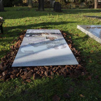 Tijdlijke grafbedekkingsplaat