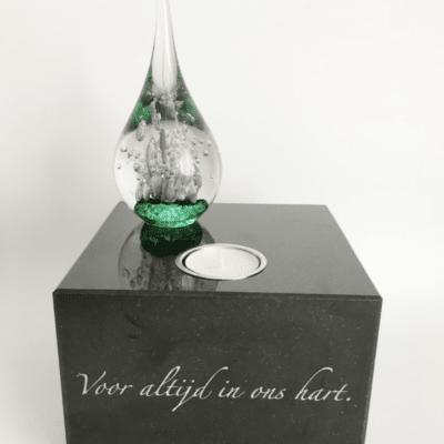 Granieten asobject met glas